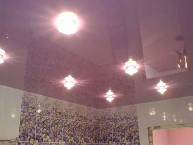 ремонт потолка ванной комнаты