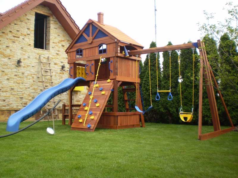 Детские площадки во дворе частного дома своими руками