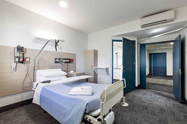 Современная больничная палата