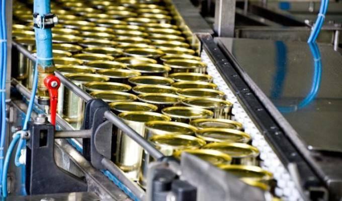 Рабочий процесс на консервном заводе