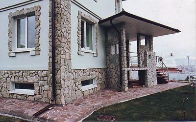 otdelka-fasadov-kamnem